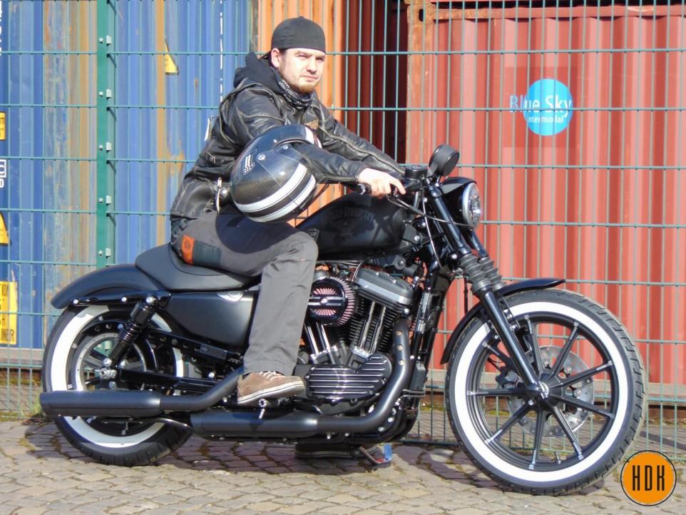 "Harley Davidson Koblenz - ""Simple Pleasure"" Sporty 883 Iron"